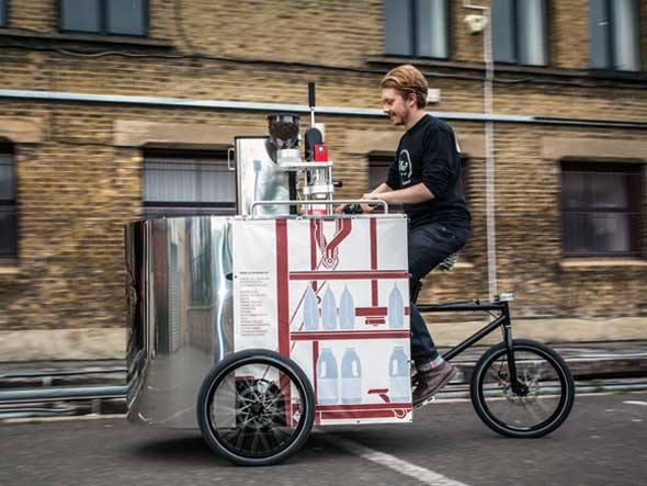 Máquina de café sobre rodas