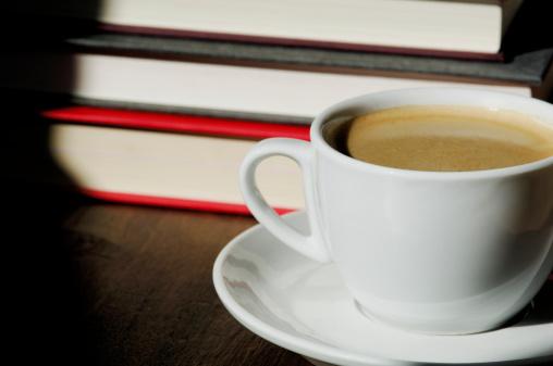 Dicas e café para você comemorar o Dia Nacional do Livro