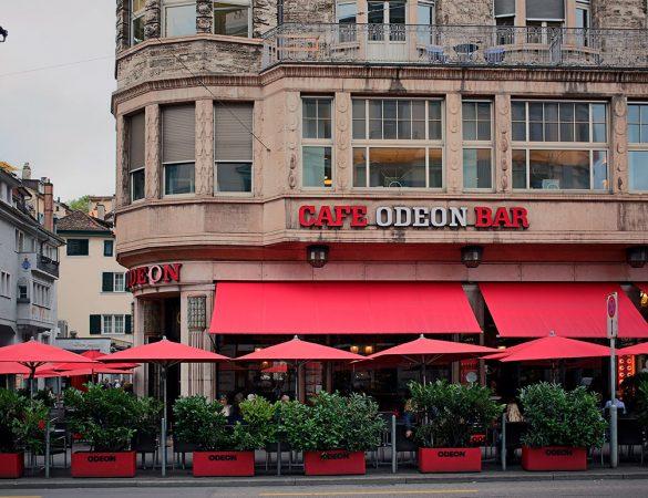 Café Odeon: Local de guerra e da arte.