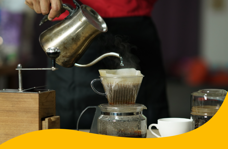 café sendo feito